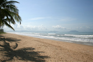 Tropical beach 2: A beach on the southern shore of Hainan Island, China.