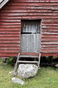 Old wood cabin: An old wooden cabin in Norway.