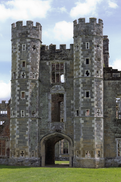 Castle ruins: Ruins of an old castle in West Sussex, England.