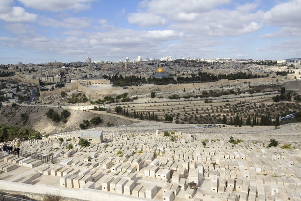 Jerusalem graveyard: Ancient graveyard on the Mount of Olives, Jerusalem. Photography at this site was freely permitted.