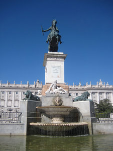 madrid: plaza de oriente