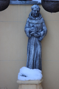 St. Francis of Assisi: Statue of St. Francis of Assisi in the snow.