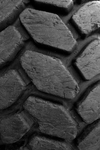 heavy tread: tread of an old large truck tyre