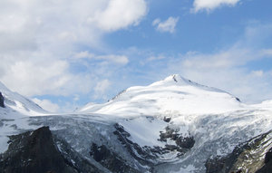 grossglockner mountain / austr: grossglockner mountain in austria, nice road to drive up