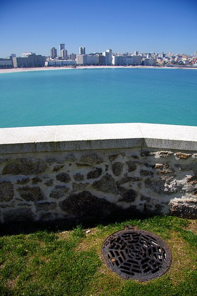 Balcony to the city 1: The city and the ocean: Coruña City