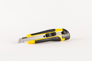 Cutter: Blach and Yellow cutter