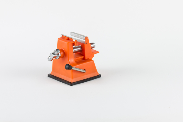 Little bench vise: A plastic suction fix bench vise