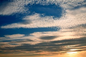 Cloudy Sunset Sky: Sunset cloud texture.