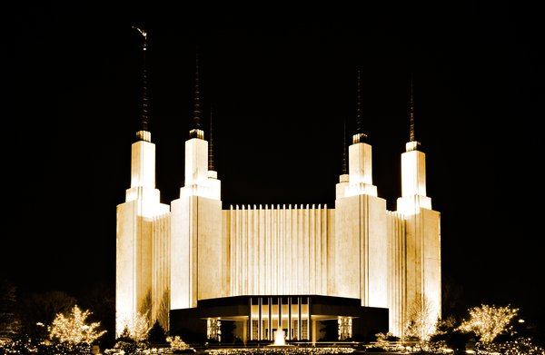 Mormon Temple: Long exposure night photo of the Mormon temple in Bethesda, Maryland.