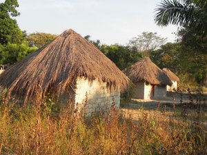 african hut 2: photo taken in DR Congo