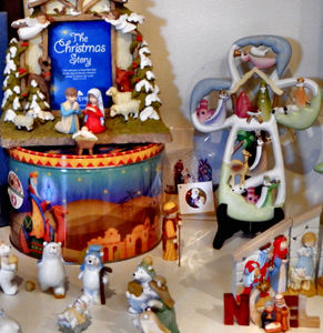 table-top nativity2: tabletop Christmas nativity scenes showing the bigger picture of Christmas