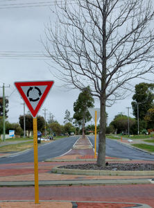 divided road2: left-hand drive vehicles on Australian divided suburban roads