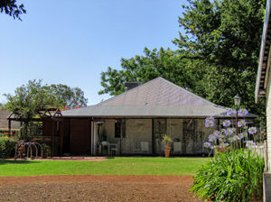 historic homestead7: preserved historic Australian homestead's garden cottage