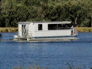 river transport18: river houseboat for accommodating and transporting people