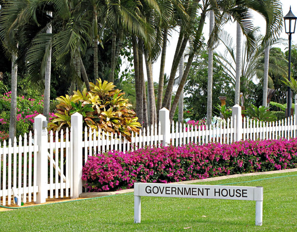 government kept garden: well kept public government house garden