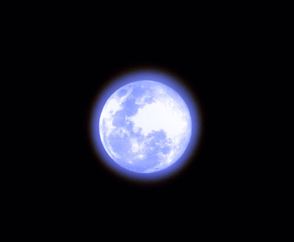 Once in a blue moon1: blue ringed moonscape