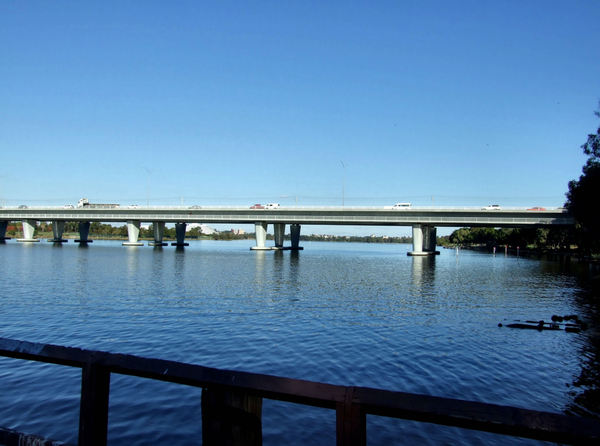 a bridge across4: bridge across the Swan River