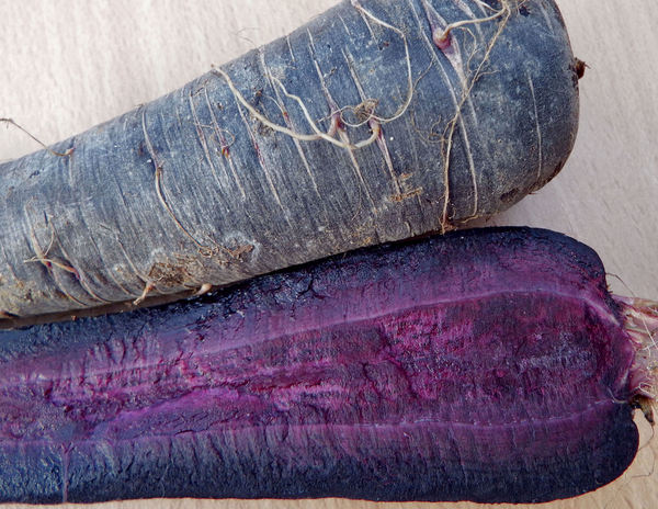 vegetable colours5b: purple carrots
