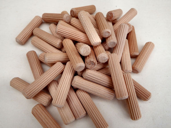 wooden pegs3: wooden furniture pegs