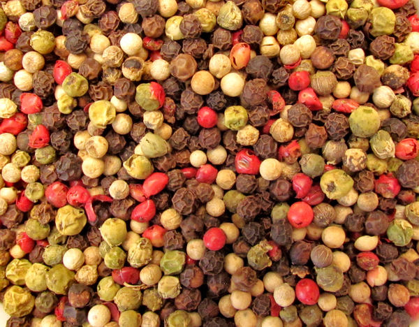 bowl of mixed peppercorns4: medley of peppercorn varieties