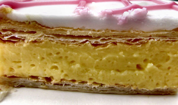vanilla slice1b: popular custard cake/sweet