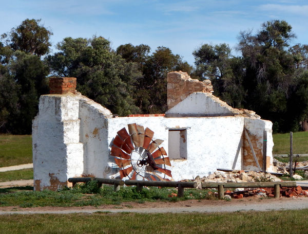 remains of settlers' cottage1: old settlers' building remains and ruins – relic of the past