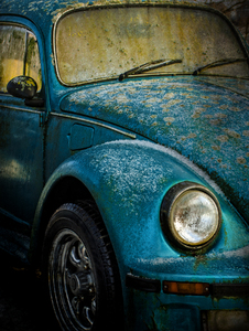 Beetle: An old grungy beetle (Volkswagen)