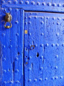 Blue door: A door in La Mancha, Spain