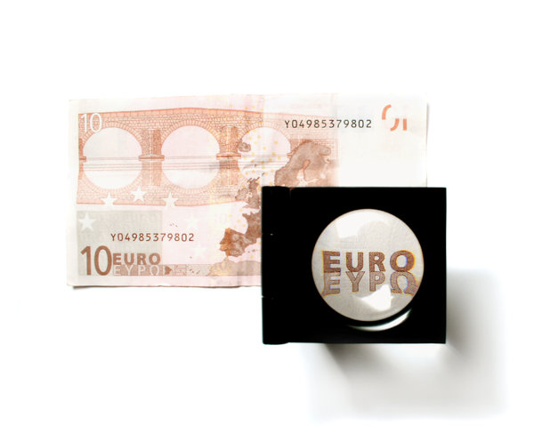 Ten Euro (take a closer LOOK): Visit http://www.vierdrie.nlObject dontated by: Hub en Armand
