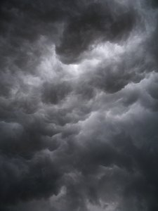 Storm closing up-: Unreal formation of clouds-